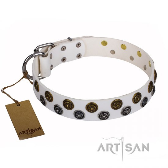 """Snowflake"" FDT Artisan White Leather Mastiff Collar with Circles"