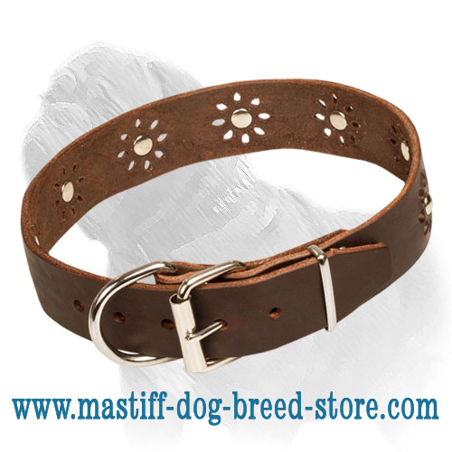 Dog leather collar, easily adjustable