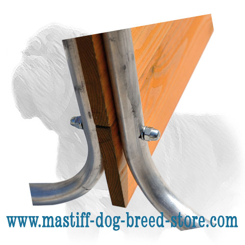 Stable construction of dog training barrier