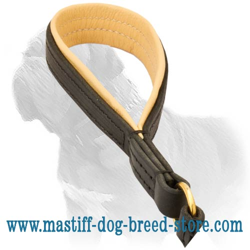 Excellent grip due to convenient shape leash handle