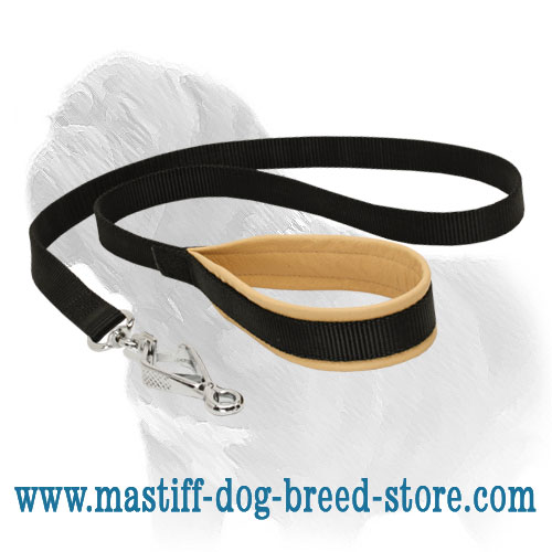 Long nylon dog leash for Mastiff breed with anti-rubbing handle