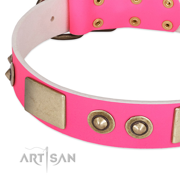 Rust-proof D-ring on full grain leather dog collar for your doggie